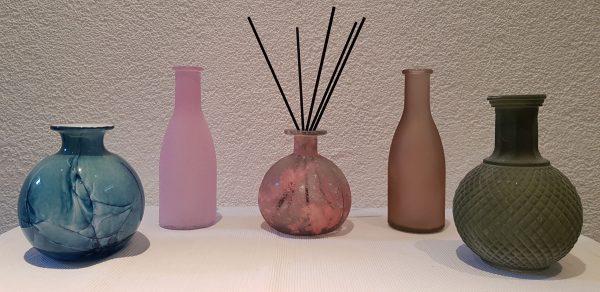 decoratief flesje geurstokjes massage therapie gezondheid wellness sofie brakel